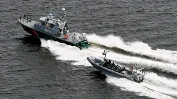 Финские катера пограничной охраны патрулируют воды у Хельсинки