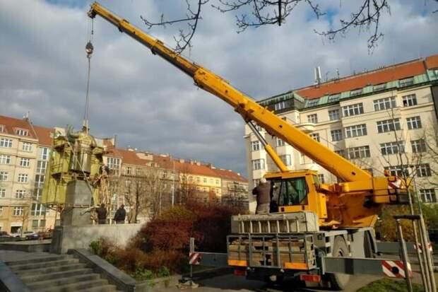 Чешские СМИ: после сноса памятника Коневу начались странные подтасовки