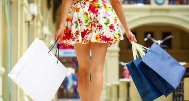 Блог Павла Аксенова. Анекдоты от Пафнутия про шопинг. Фото arkusha - Depositphotos
