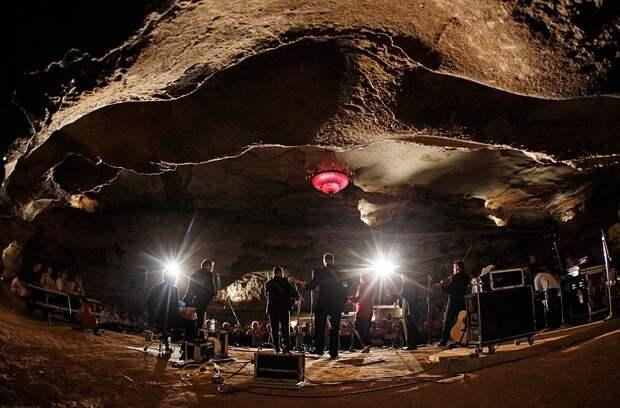 Подземный концерт