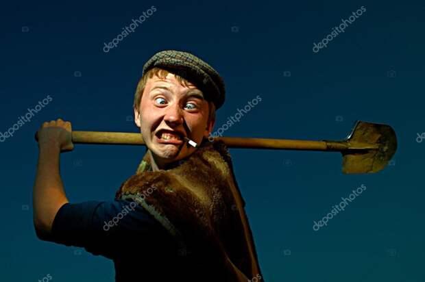 Приходит Василий с рыбалки домой. Глядит - у ворот ʺшестисотыйʺ стоит
