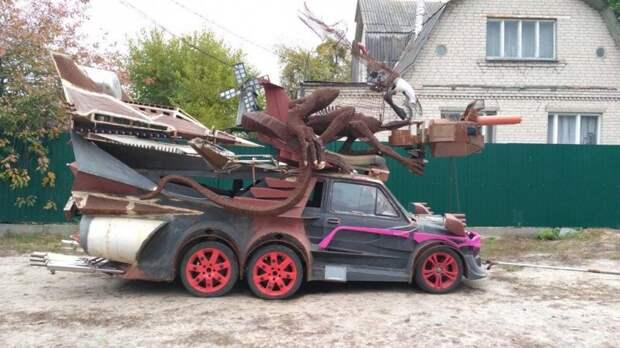 Маленький Фиат превратили в шестиколесного монстра fiat, авто, автоприкол, автотюнинг, прикол, самоделка, своими руками, тюнинг