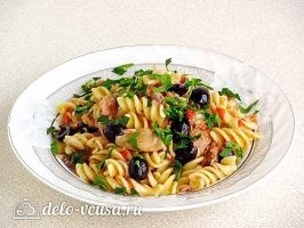 Паста с тунцом и оливками: фото к шагу 11
