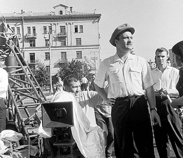 Фотографии со съёмочной площадки фильма «Я шагаю по Москве».