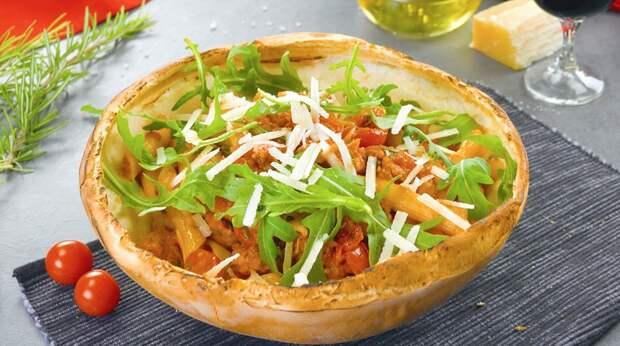 Паста в съедобной посуде из теста: оригинальный и очень вкусный гарнир