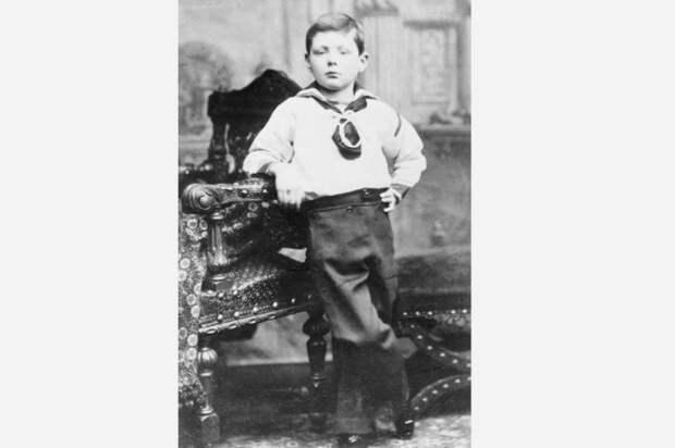 Уинстон Черчилль и Клементина Хозьер: 57 лет брака, которому не давали и полгода