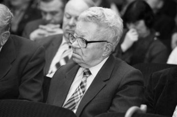Ушел из жизни бывший глава Новосибирского облисполкома Владимир Боков