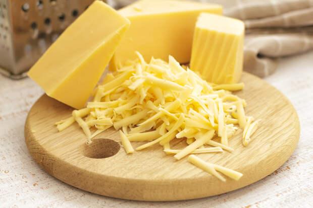 Чем сыр полезен для зубов