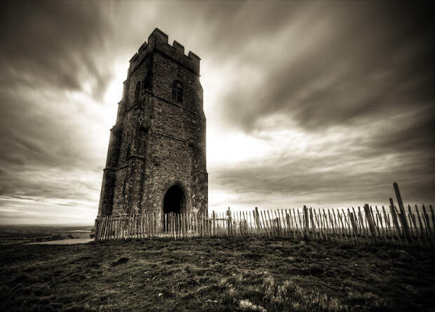 Могила короля Артура оказалась средневековой подделкой