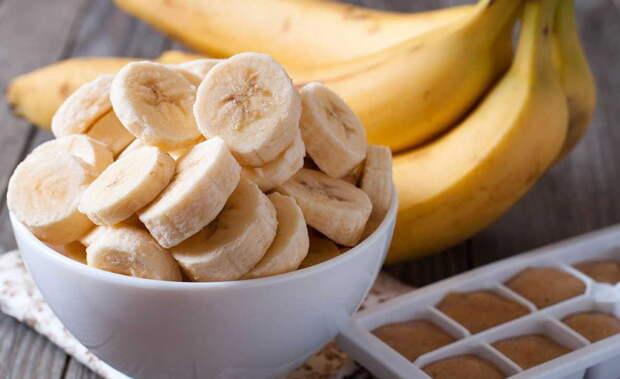 Один банан в день заменит кучу препаратов: необходим и женщинам,  мужчинам!