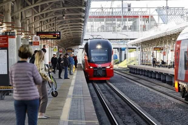 Двухэтажный поезд запустили через МЦК «Панфиловская»