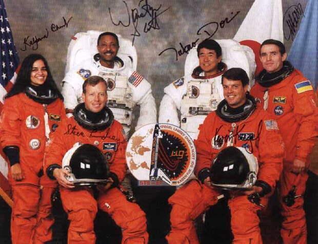 Слева-направо - Сидят: Линдси, Крегель; Стоят: Чавла, Скотт, Дои, Каденюк