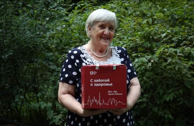 Пенсионерка из Бабушкинского привилась от COVID-19 и получила «коробок здоровья»