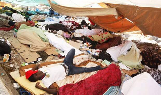 Новый Регион: Европейские левые запретили женщине жаловаться на групповое изнасилование в лагере беженцев (ФОТО)