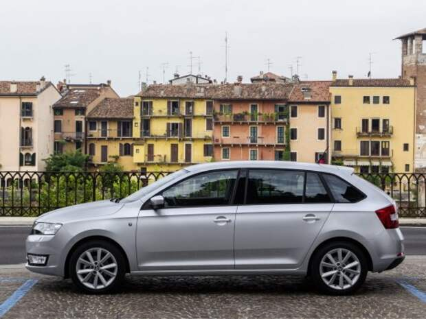 Skoda_Rapid_Hatchback 5 door_2013