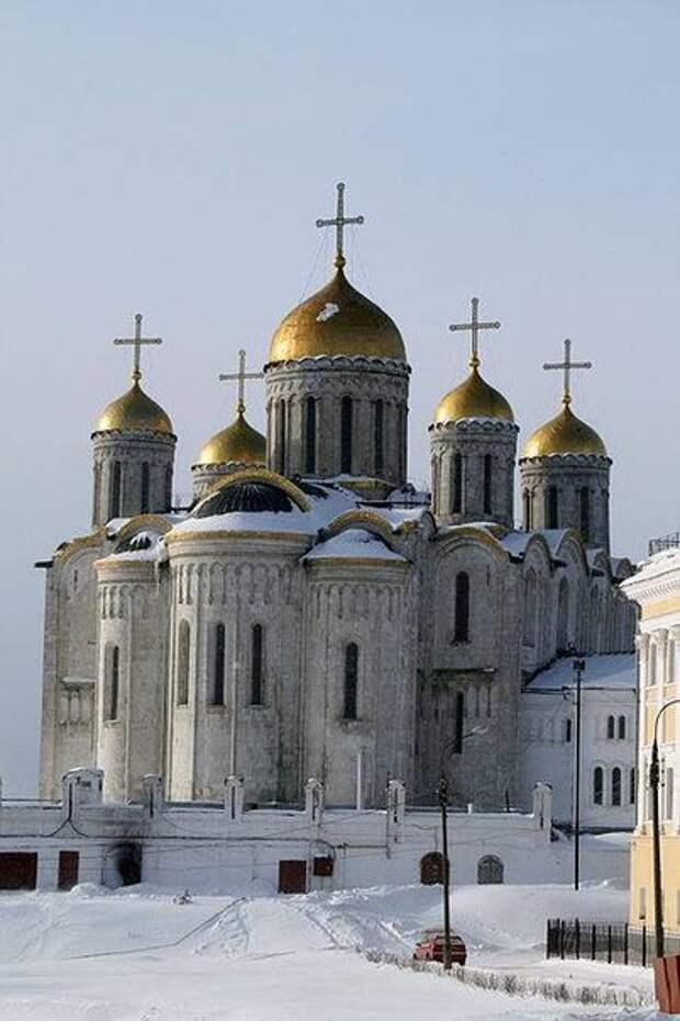 В Успенском соборе Владимира во время реставрации открыли фрески Андрея Рублева
