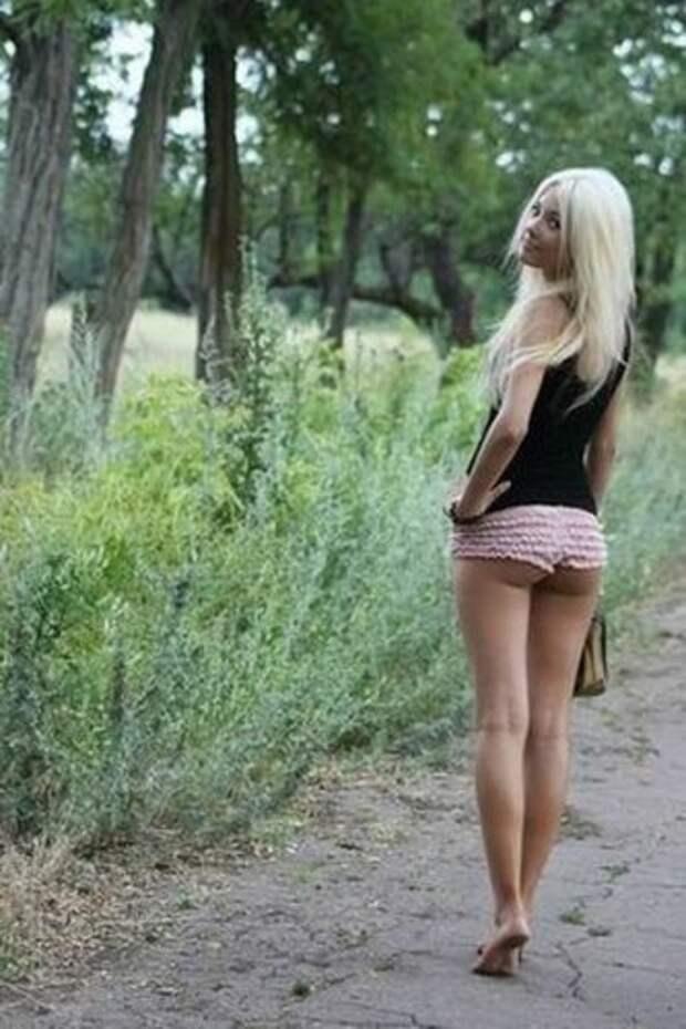 Симпатичные девушки из социалок (27 фото)