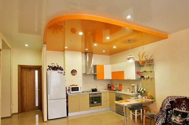Открытая кухня совмещенная с гостиной