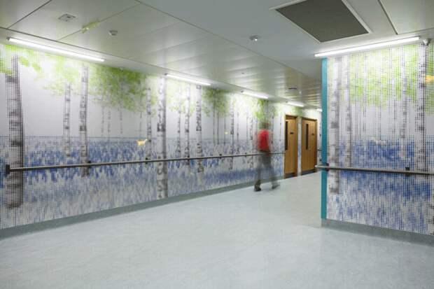 3. Один из лондонских детских госпиталей. Стены заменены на LED-панели, изображающие лес и животных, иногда пробегающих в нём. больницы, дети
