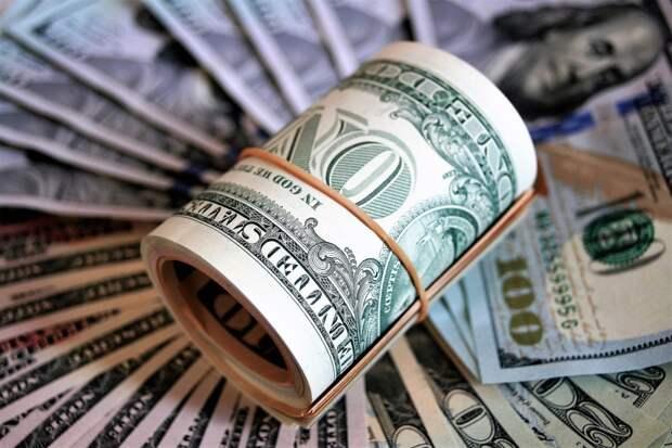 Ночные гостьи украли 100 тысяч долларов из квартиры мужчины в Свиблове