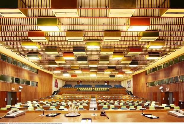Восемь залов, где принимаются самые важные решения