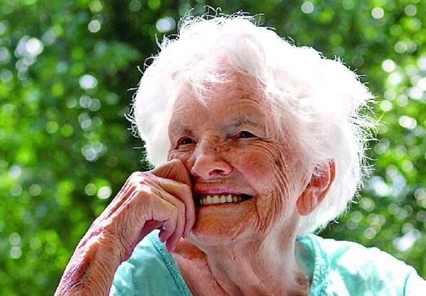 Люсиль Бостон Льюис, 100 лет, Кентукки. Фото: timesfreepress.com