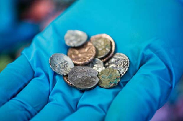 В пещере нашли тайник с римскими и варварскими монетами