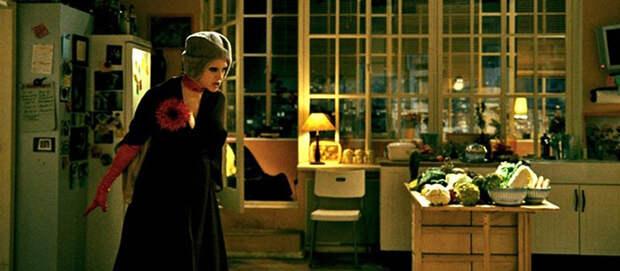 Обстоятельства. 2009, режиссер: Павел Руминов. «Обстоятельства» — даже не фильм, а скорее фильм-спектакль в вечно актуальном жанре черной комедии с деликатным юмором. Да и сюжет в наличии.