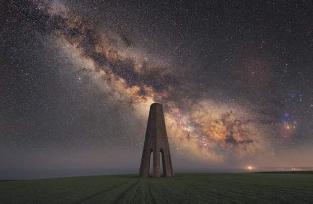Приз от Adobe достался Уиллу Милнеру за фотографию маяка в Бриксхэме, Девон, Великобритания