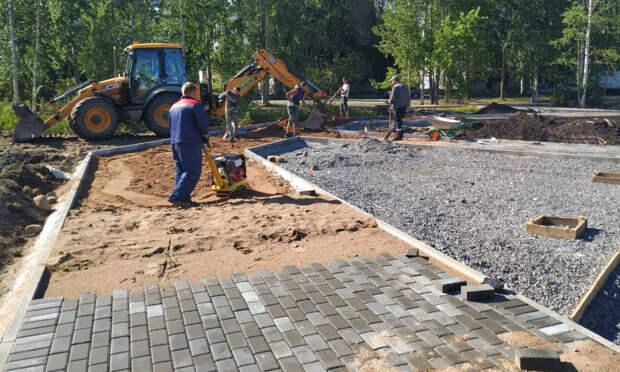 Новый сквер в Северном округе Архангельска готов на 60 процентов