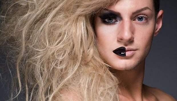 Покажи личико: травести-дивы с макияжем и без в проекте Лиланда Бобба