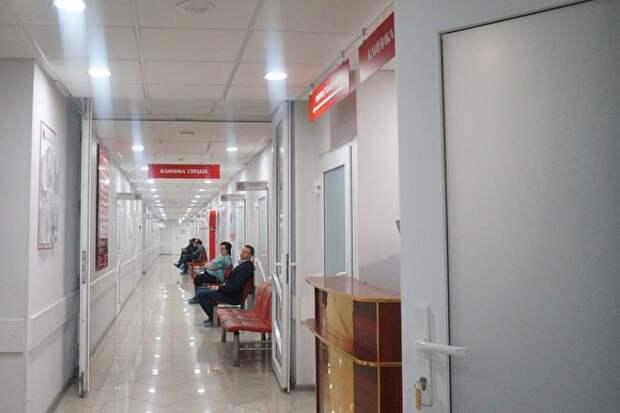 Российским больницам запретили покупать за рубежом подгузники и бинты