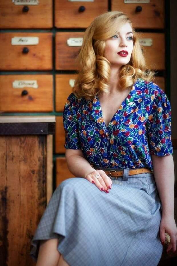 Современные девушки в образе винтажных красоток.