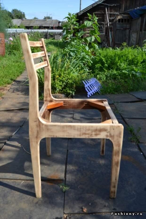 Старый стул не радует глаз? Обновим - легко