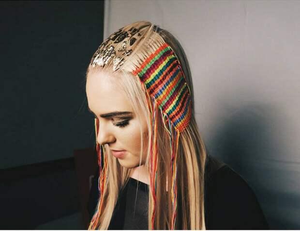 Гобелен на волосах