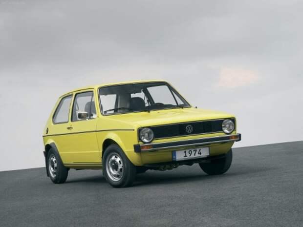 Первое поколение VW Golf (1974). Дизайнер — Джорджетто Джуджаро