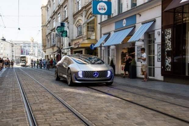 Концепт Mercedes-Benz F 015