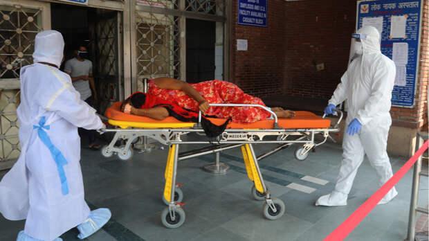Эксперт объяснил, почему в Индии случился «шторм» коронавируса