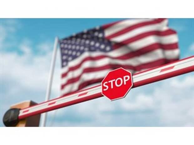США отказались продлевать визы российским дипломатам