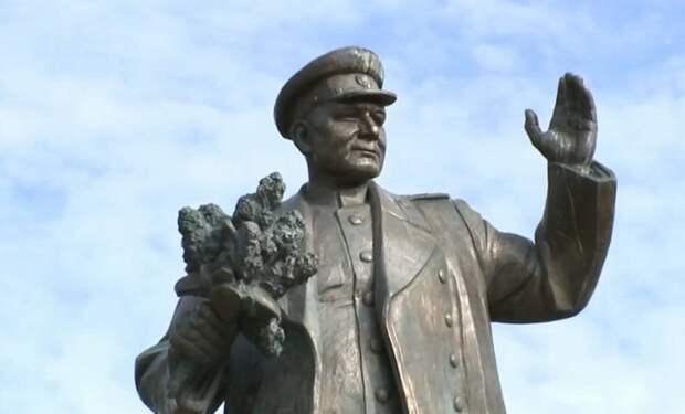 В год 75-летия Победы война с памятью о ней разгорается с новой силой