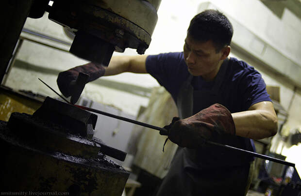 Как делают якутские ножи