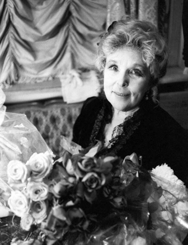 Актриса года: неподражаемая Вера Васильева отметила 90-летний юбилей