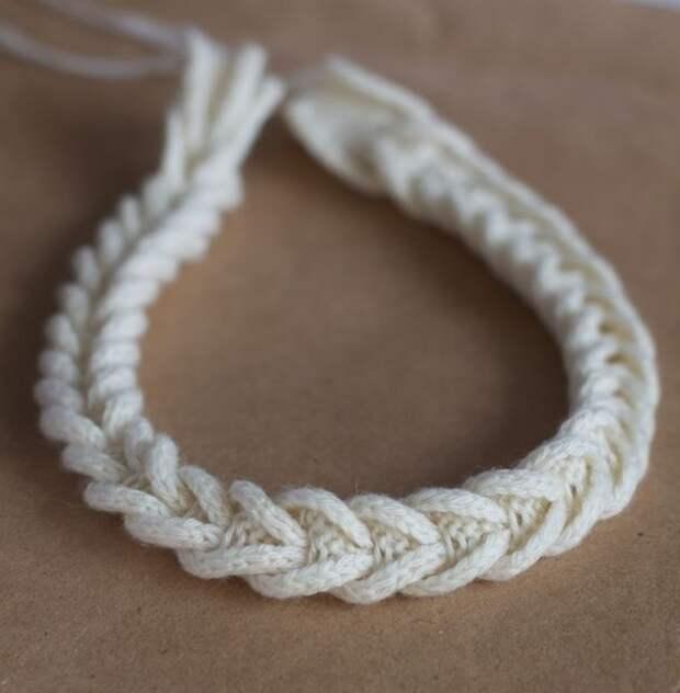 Интересный способ сделать вязаную косичку (Diy)