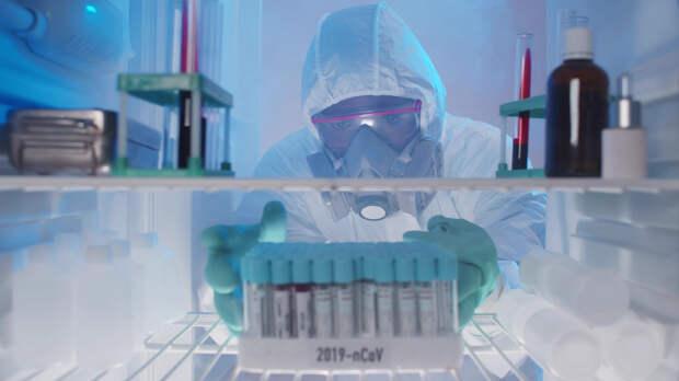 Сотрудник медцентра в США намеренно испортил 500 доз вакцины от COVID-19