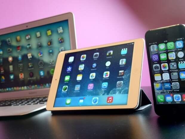 Против Apple подан иск за переманивание автомобильных инженеров