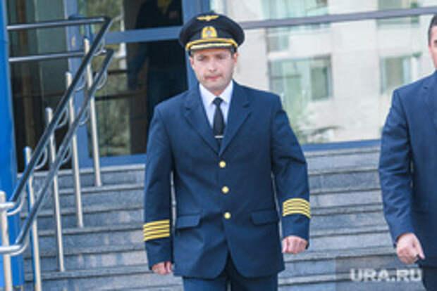 Свердловские единороссы спешно ищут замену летчику-герою. Фамилия возможного кандидата