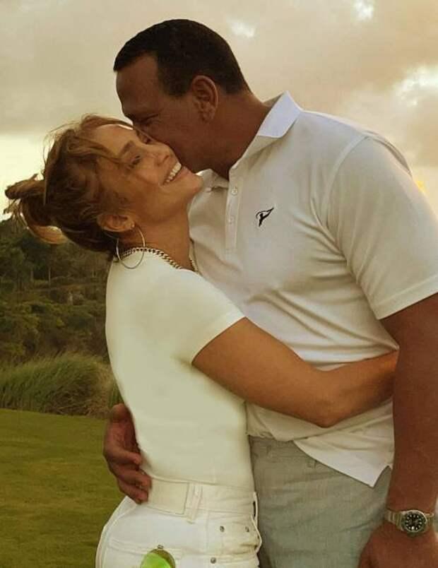 «Слишком много проблем»: стало известно, почему Дженнифер Лопес разорвала помолвку с Алексом Родригесом
