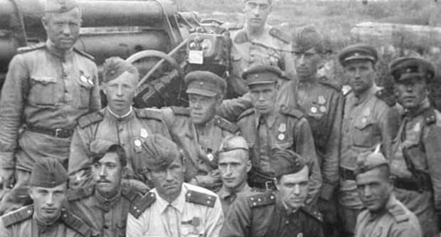 Юрий Никулин (2 слева в 1-м ряду).  Редкие фото Юрия Никулина, история, фото