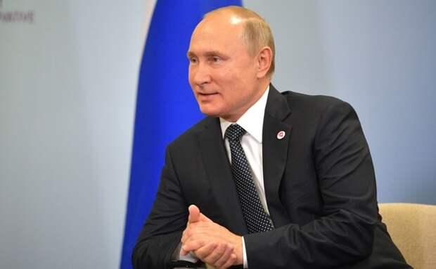 Путин пообщался с Пенсом и Болтоном на Восточноазиатском саммите