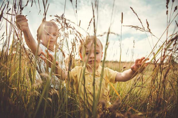 12 душевных фотографий о детстве в деревне